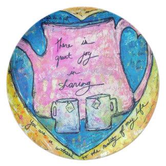 Hugs in a pot plate
