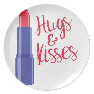 Hugs & Kisses Party Plates