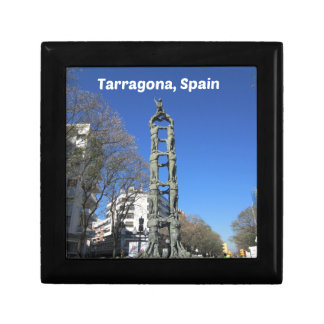 Human tower statue, Spain Gift Box