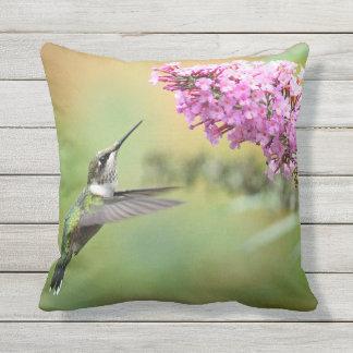 Hummingbird 5053 throw pillow