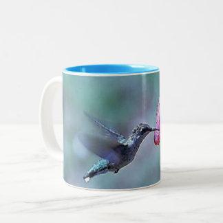 Hummingbird feeding Mug