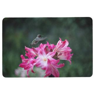 Hummingbird with belladonna lilies floor mat