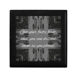 Humorous lying Quote On Goth Background Gift Boxes