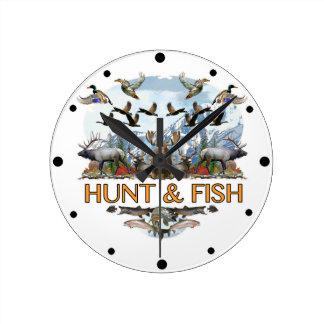 Hunt and fish round clock