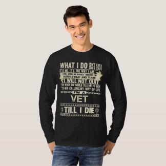 I Am A VET. Gift T-Shirt