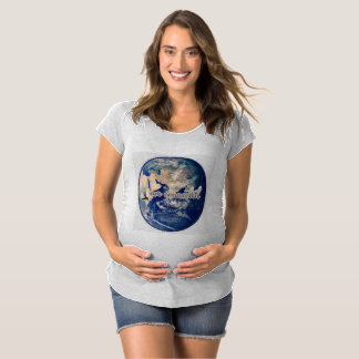 I am connected earth maternity maternity T-Shirt