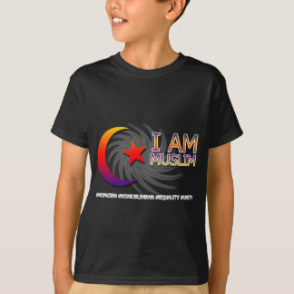 I AM MUSLIM ANTI TRUMP FACISM T-Shirt