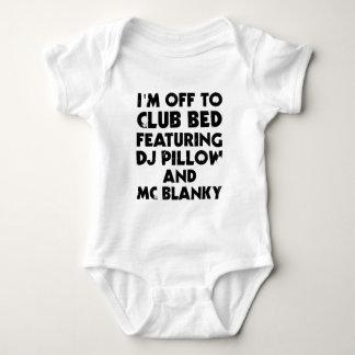 I Am Off To Club Bed Tshirts