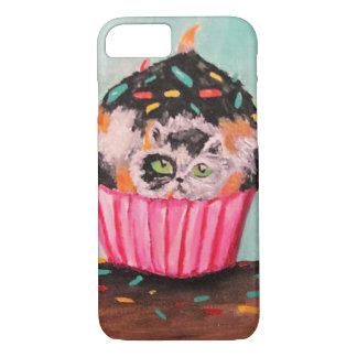 I Didn't Eat The Cupcake, I Swear! (No words) iPhone 7 Case
