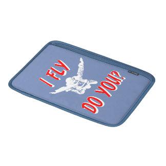 I Fly, Do You? (wht) MacBook Sleeve