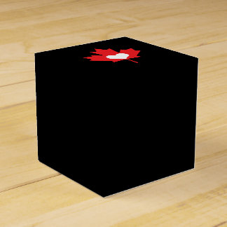 I Love Canada Heart and Maple Leaf Wedding Favor Box