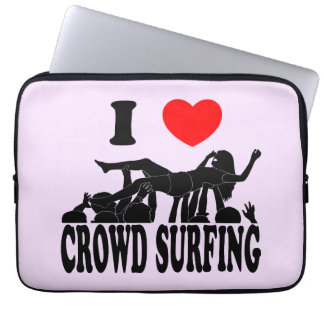 I Love Crowd Surfing (female) (blk) Laptop Sleeve