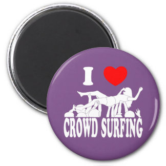 I Love Crowd Surfing (female) (wht) 2 Inch Round Magnet
