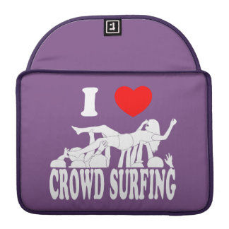I Love Crowd Surfing (female) (wht) Sleeve For MacBook Pro