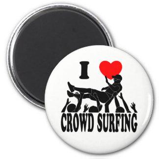 I Love Crowd Surfing (male) (blk) 2 Inch Round Magnet