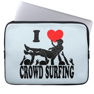 I Love Crowd Surfing (male) (blk) Laptop Sleeve