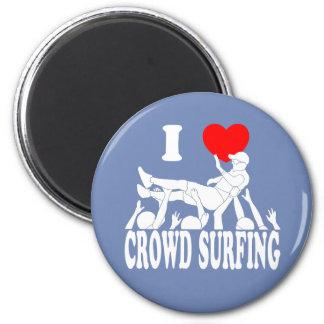I Love Crowd Surfing (male) (wht) 2 Inch Round Magnet