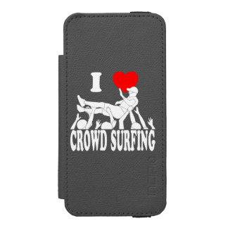 I Love Crowd Surfing (male) (wht) Incipio Watson™ iPhone 5 Wallet Case