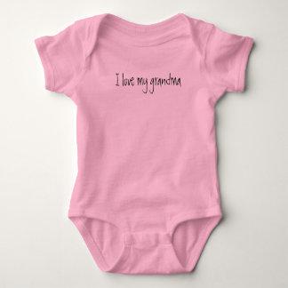 """I love my grandma"" new baby one-piece, baby gift Baby Bodysuit"