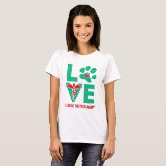 I love Veterinary Women's T-shirt