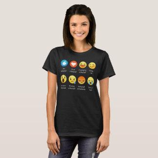I Love VOLLEYBALL Emoticon (emoji) Social Sayings T-Shirt