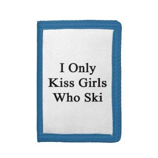 I Only Kiss Girls Who Ski Tri-fold Wallet