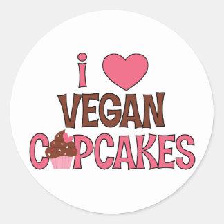 I petits gâteaux de végétalien de coeur adhésifs ronds