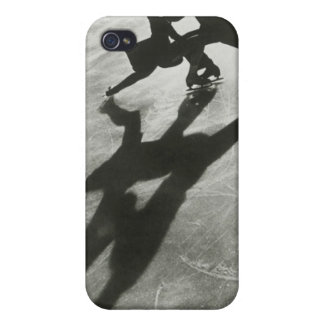 Ice Skating Couple iPhone 4/4S Cover
