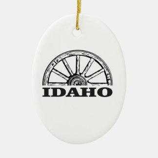 Idaho wagon wheel ceramic ornament