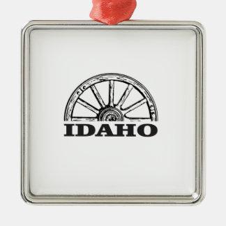 Idaho wagon wheel metal ornament