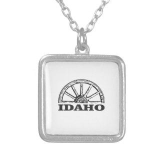 Idaho wagon wheel silver plated necklace