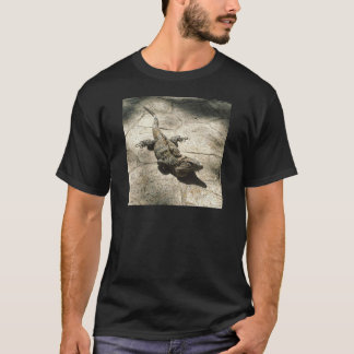 Iguana , Giant Lizard in Mexico T-Shirt