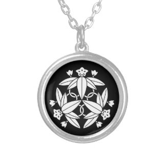 Ikeda three autumn bellflower silver plated necklace