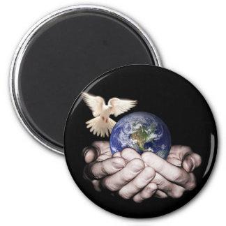 Il a le monde entier… magnet rond 8 cm