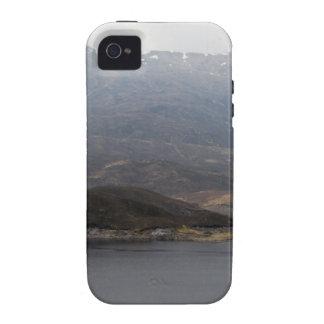 Île au milieu du loch et d'extérieur rocailleux iPhone 4/4S case