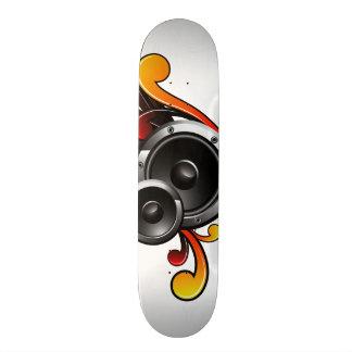 illustration de musique avec le haut-parleur et skateboard customisable