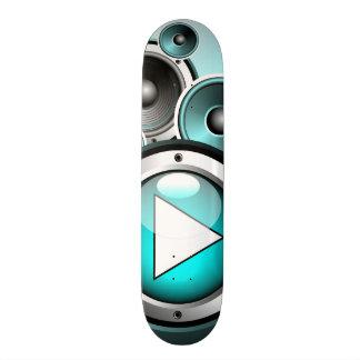 illustration de musique avec le haut-parleur et plateaux de skateboards customisés
