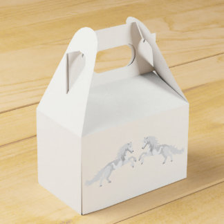 Illustration White Unicorn Favor Box