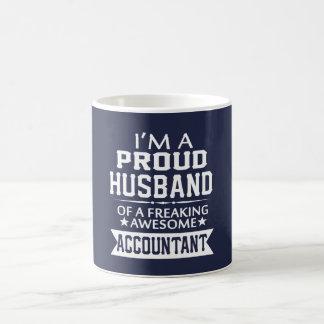 I'M A PROUD ACCOUNTANT'S HUSBAND COFFEE MUG