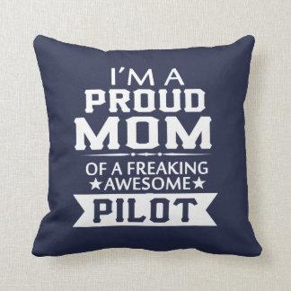 I'M A PROUD PILOT'S MOM THROW PILLOW