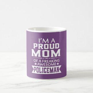I'M A PROUD POLICEMAN'S MOM COFFEE MUG