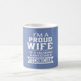 I'M A PROUD TECHNICIAN'S WIFE COFFEE MUG