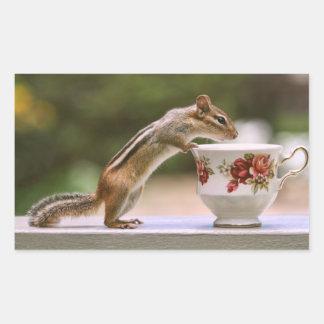 Image de tamia avec la tasse de thé de la Chine