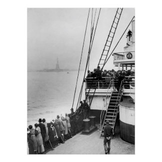 Immigrants Viewing The Statue of Liberty Photo Poster