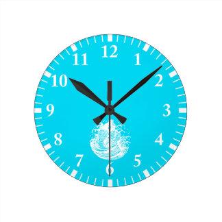 In carp water round clock