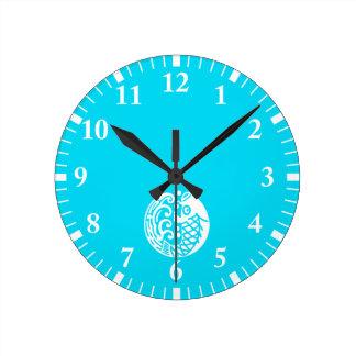 In carp wave round clock