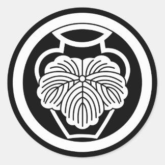 In medium flower in 壺 ivy classic round sticker