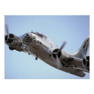 In On A Run -B17 Flying Fortress Poster