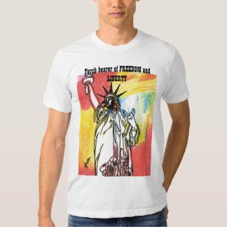Incendiez le porteur T-shirt de liberté et de