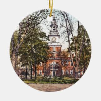 Independence Hall Vintage Philly Pensylvania Round Ceramic Ornament